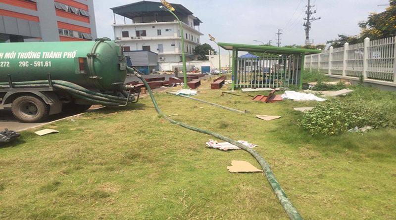 Hút bể phốt ở tại phố Trương Định