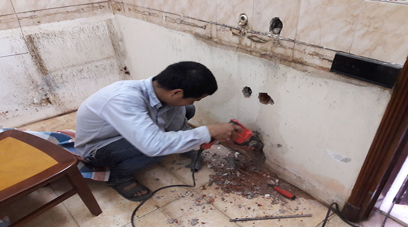 Xử lý sự cố thấm dột nhà vệ sinh