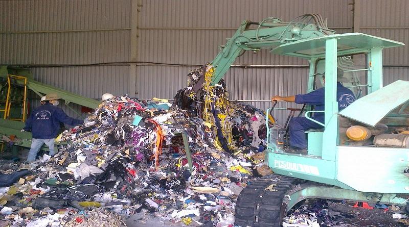 Chất thải công nghiệp chiếm số lượng lớn thải ra hàng năm