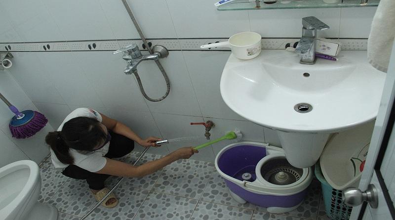 Xử lý mùi hôi nhà vệ sinh đơn giản